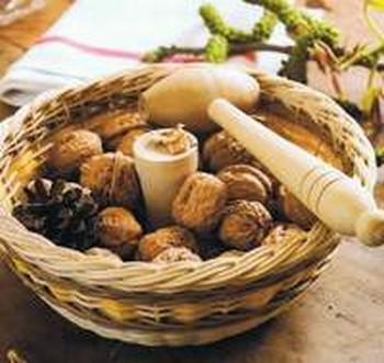 Accessoire bois casse noix vannerie osier rotin - Casse noix en bois ...